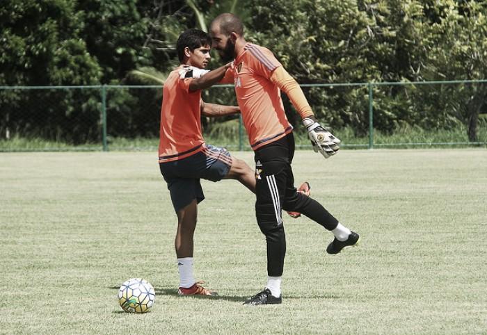 Thiago Gomes comanda seu último treino no Leão nesta quarta-feira