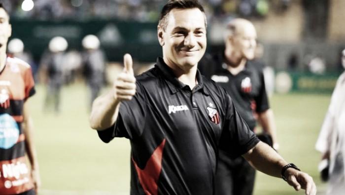 Santa Cruz anuncia Doriva como novo técnico do clube