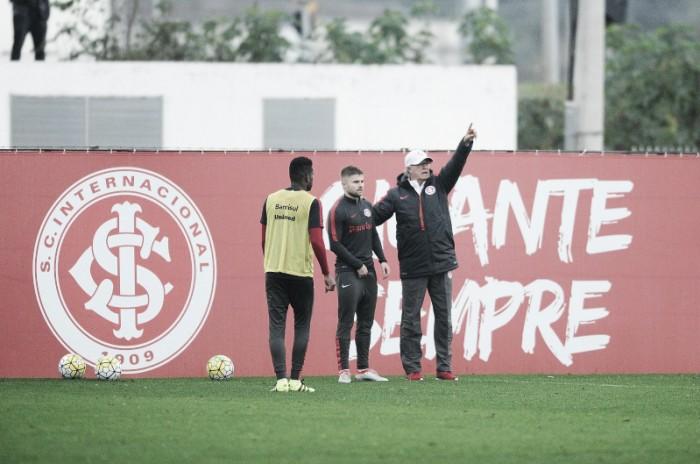 Falcão ajusta detalhes e encaminha Inter modificado na defesa para enfrentar Palmeiras