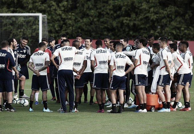Após recuperação, Antony retorna aos treinos; Liziero segue como dúvida para clássico SanSão