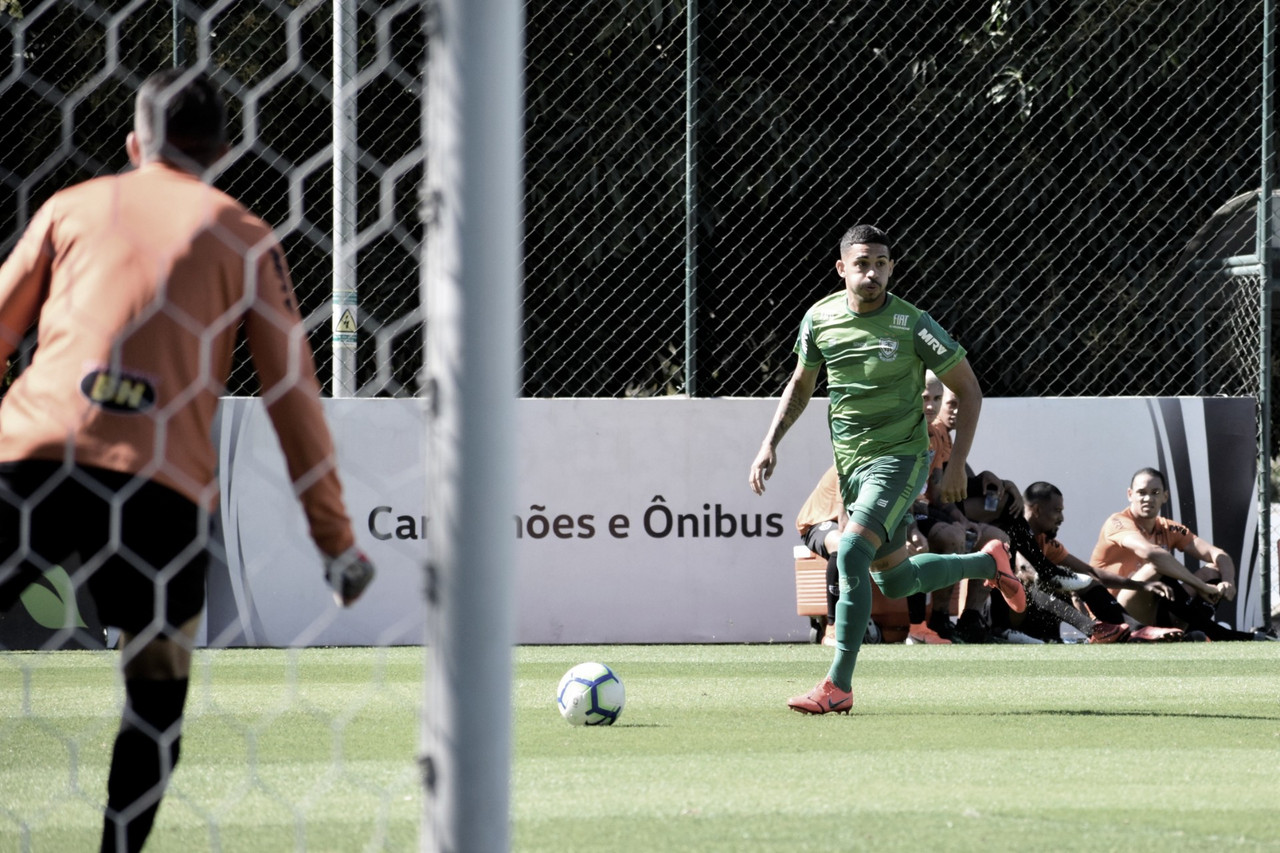 Visando estreia no América-MG, Diego Ferreira projeta confronto com Figueirense