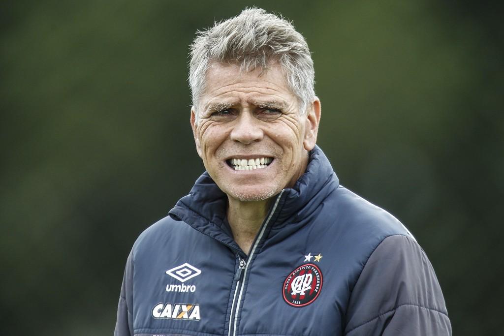 Paulo Autori se acerca a la dirección técnica de Atlético Nacional
