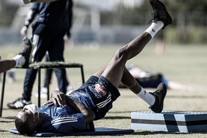 Após 70 dias, Cruzeiro retoma treinos cumprindo medidas de segurança