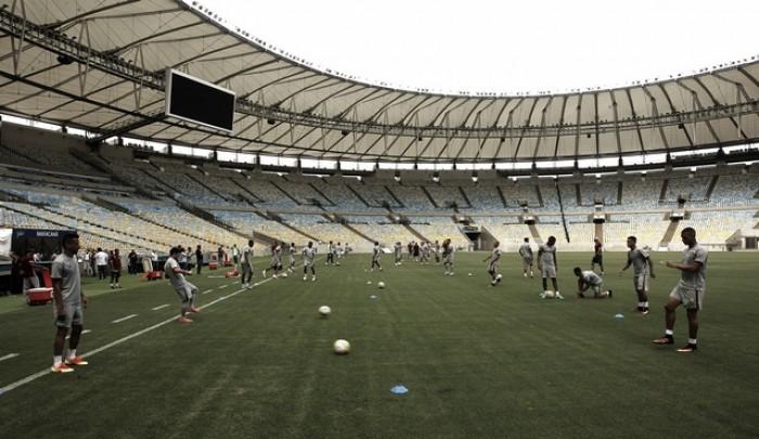 Fluminense faz treino de reconhecimento do Maracanã para duelo contra Vitória