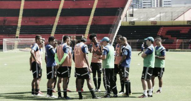 Eduardo Baptista esboça Sport para confronto ante Chapecoense com três mudanças