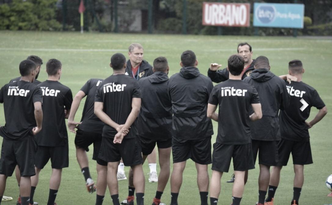 Forte chuva atrasa treino do São Paulo e Everton não participa de atividade no CT