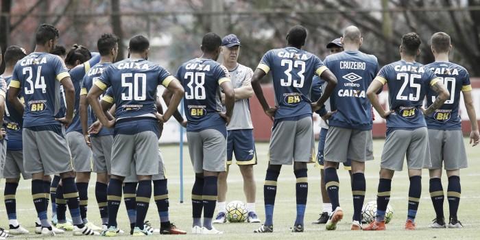 Mano Menezes fecha parte do treino e não indica Cruzeiro que irá enfrentar a Ponte Preta
