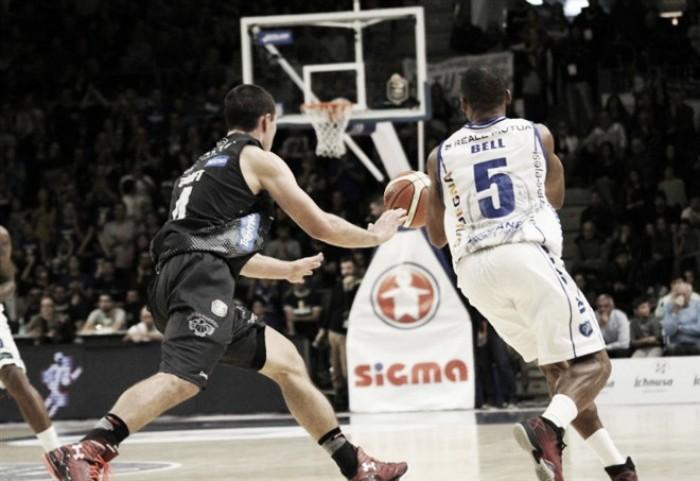 Lega Basket - Trento batte Sassari e si porta sul 2-0