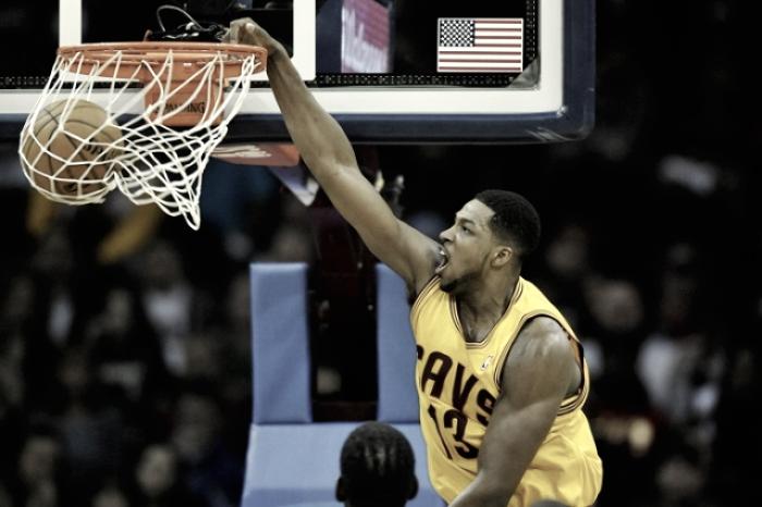 Nba: volano Cleveland e Warriors