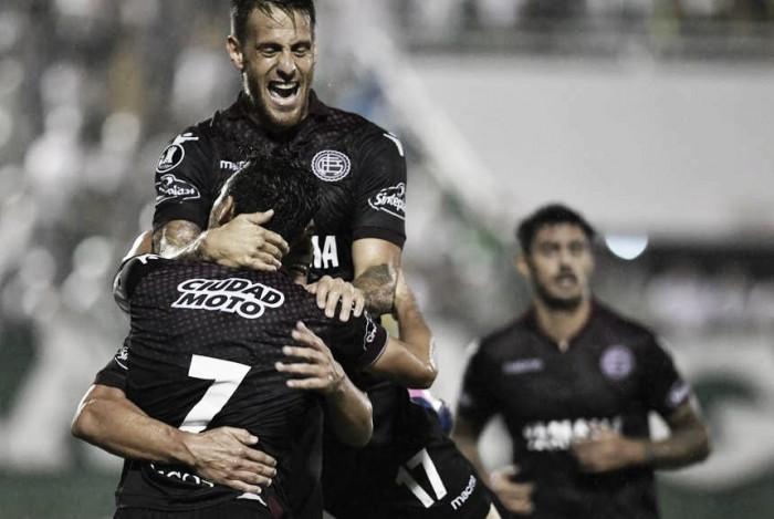 Copa Libertadores: Lanús ganó y es puntero