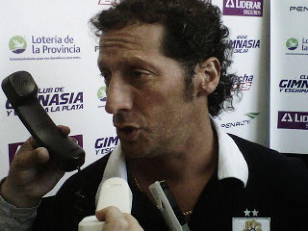 """Pedro Troglio: """"no estoy preocupado porque tenemos diez puntos"""""""