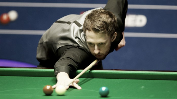 Judd Trump loses focus as a social media row threatens to cost him a place in the last eight