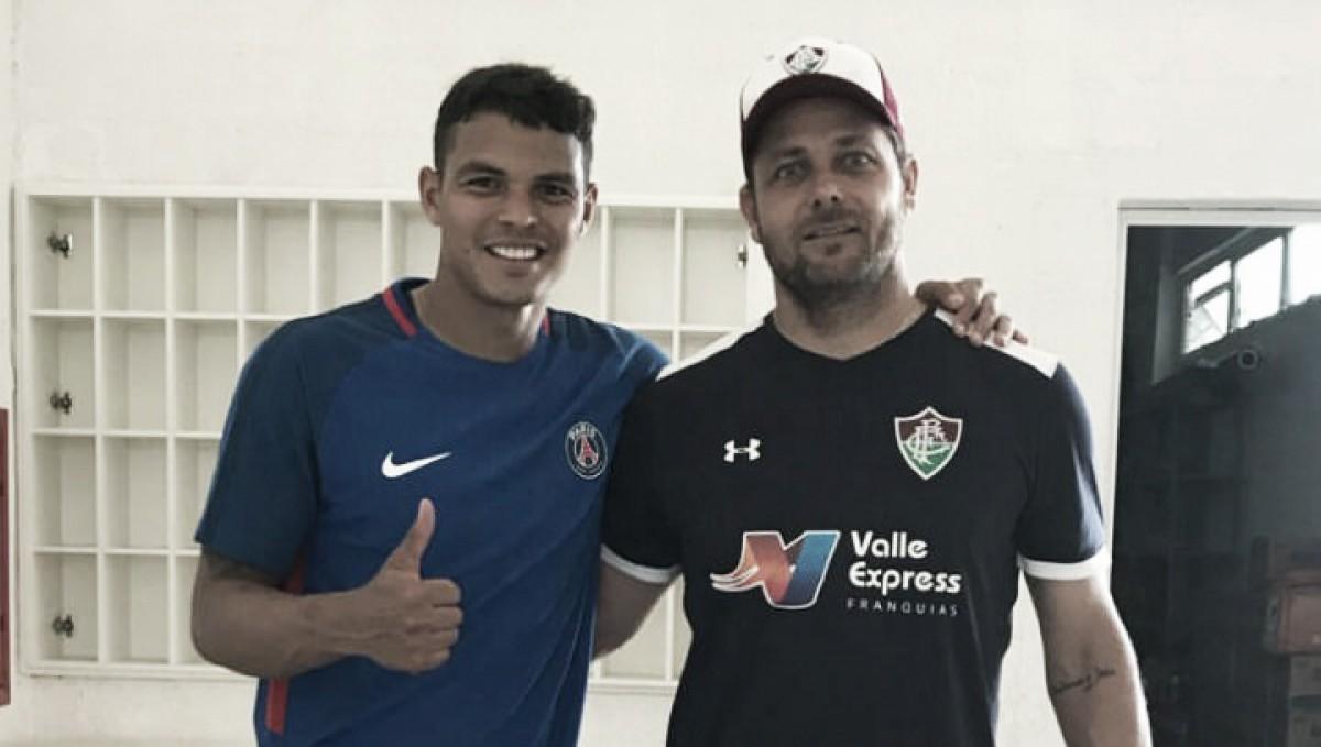 De férias no Brasil, Thiago Silva mantém forma física em CT do Fluminense
