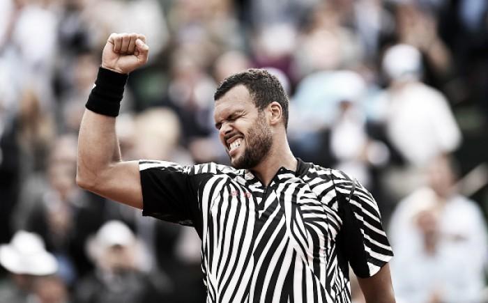 Roland Garros: Djokovic e Nadal vencem com facilidade e avançam; Tsonga joga cinco sets