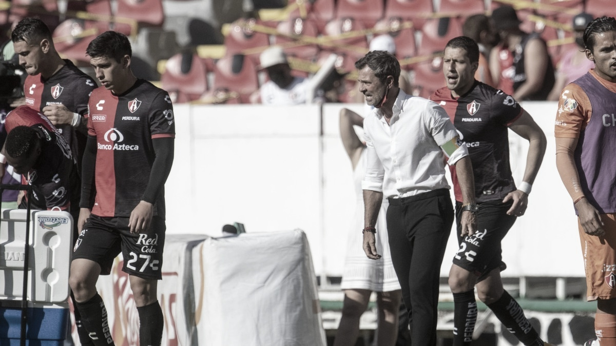 """Diego Cocca: """"Todavía quedan tres partidos y todo puede pasar"""""""