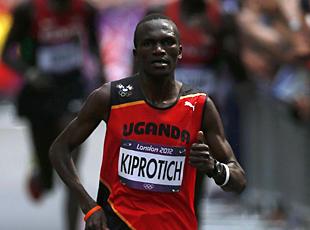 Maratona, primo oro all'Uganda con Stephen Kiprotich