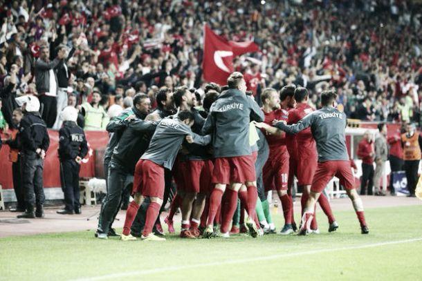 Girone A: crolla l'Olanda, il Kazakistan manda la Turchia a Euro2016 come miglior terza