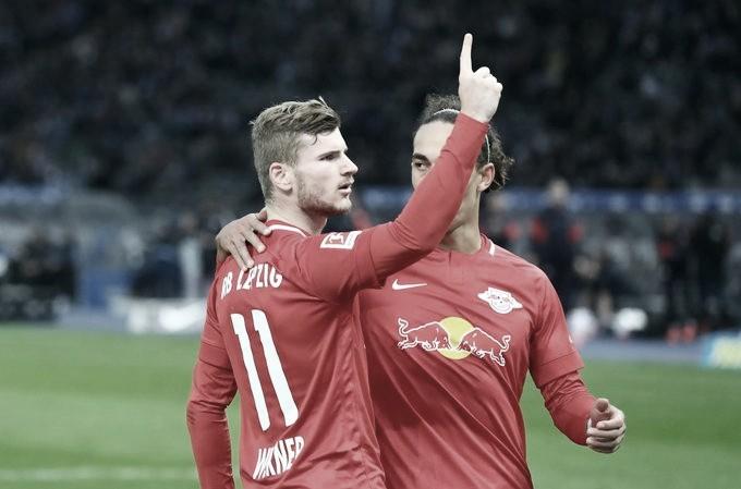 RB Leipzig bate Hertha Berlin em jogo agitado e cola no líder da Bundesliga