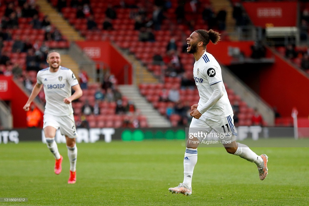 Tyler Roberts signs new contract at Leeds United