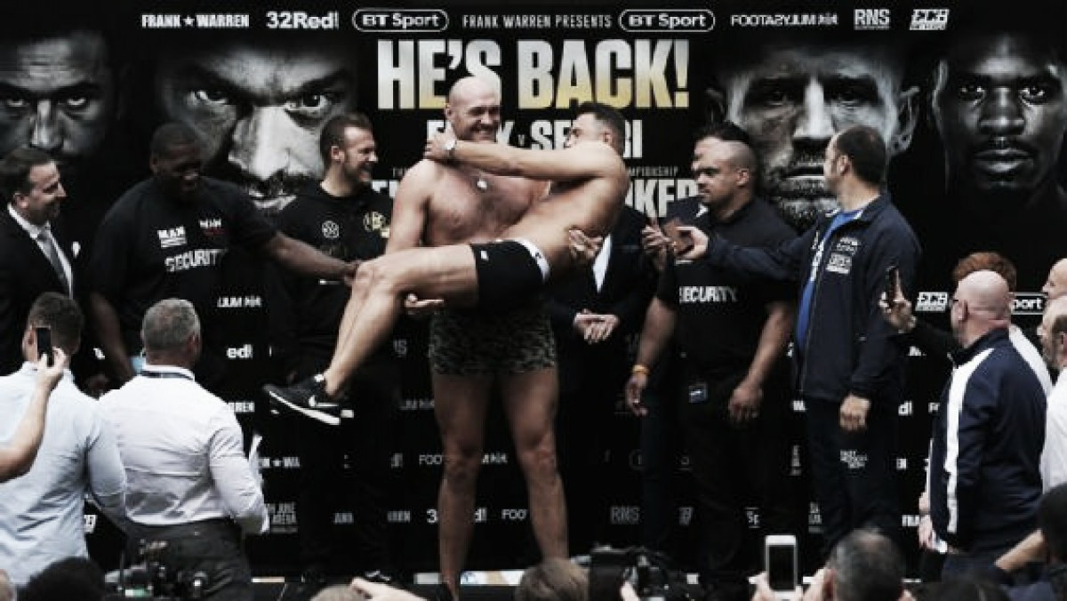 Entra en la historia del Boxeo, bajo 110 libras