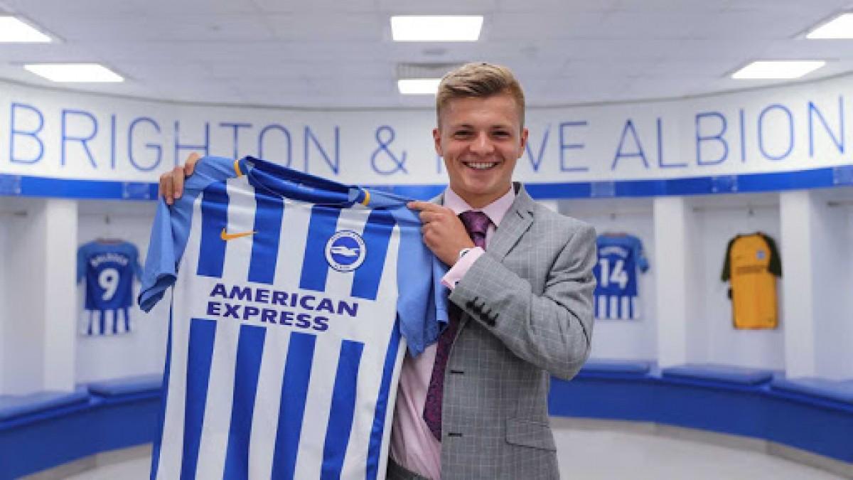 Brighton sign Yeovil Town prospect Joseph Tomlinson