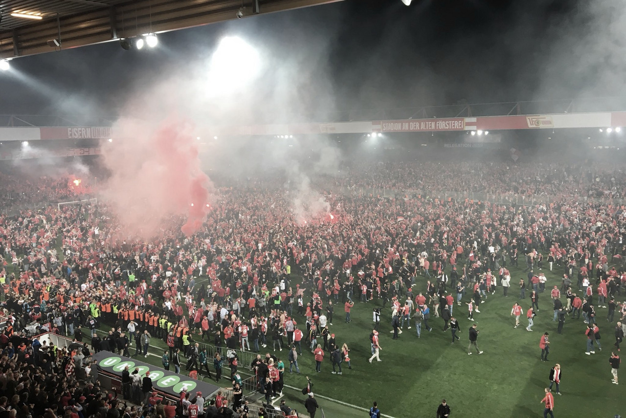 Festa inédita na capital! Union Berlin despacha Stuttgart no Relegation e chega à Bundesliga