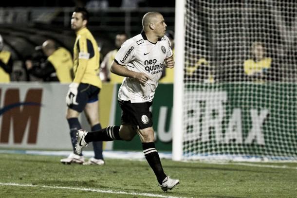 Há cinco anos, Ronaldo marcava seu último gol como profissional em partida polêmica contra Cruzeiro