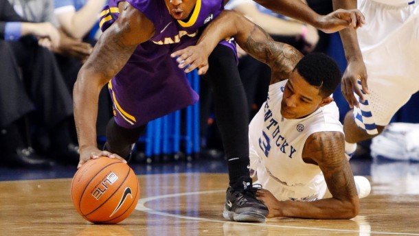 Old And New Faces Help No. 2 Kentucky Wildcats Beat Albany