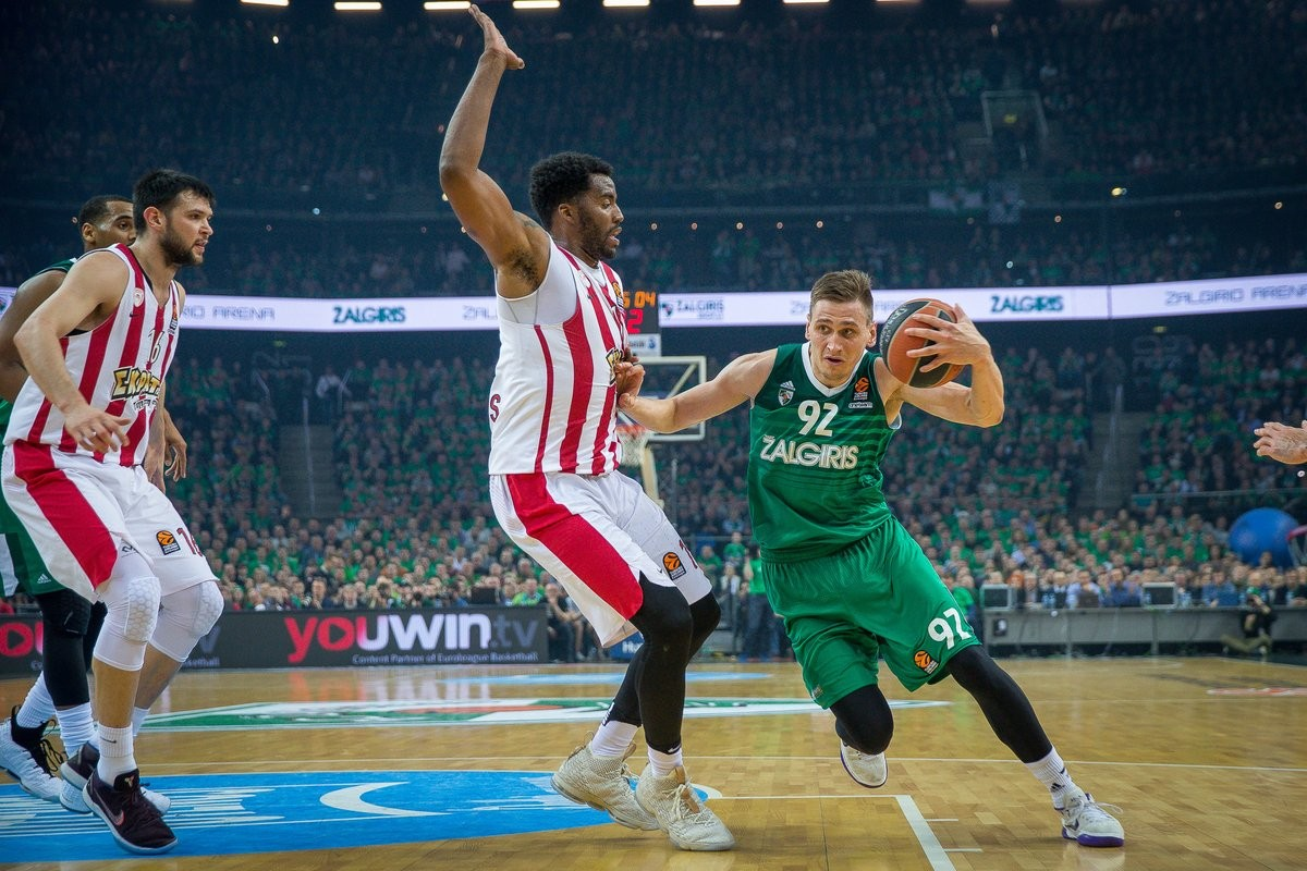 Turkish Airlines EuroLeague - Impresa Zalgiris, è Final Four: Olympiacos travolto anche in gara-4