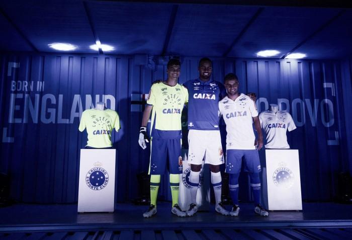 Cruzeiro promove grande festa no Mineirão para apresentar nova coleção de uniformes