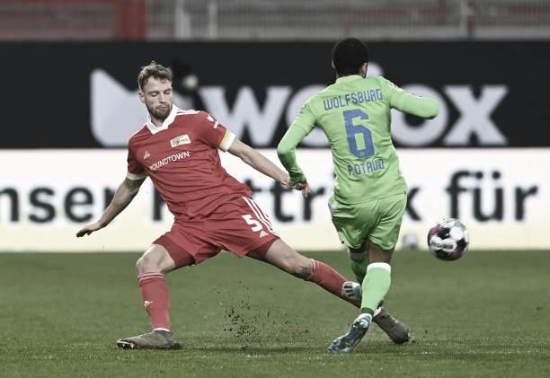 Confronto direto: com um a menos, Wolfsburg segura empate diante do Union Berlin
