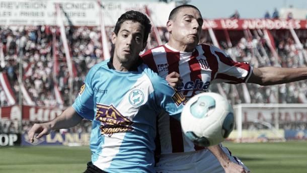 Con un bombazo de Aleman, Unión festejó en su debut ante Villa San Carlos