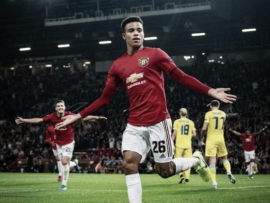 Repleto de jovens, Manchester United derrota Astana em Old Trafford pela Europa League
