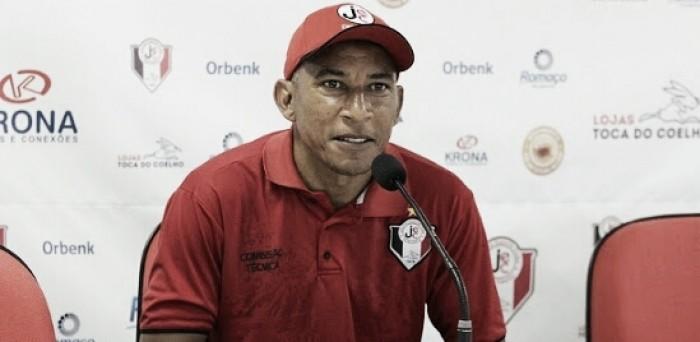 Após derrota diante do CRB, Joinville demite o técnico Hemerson Maria