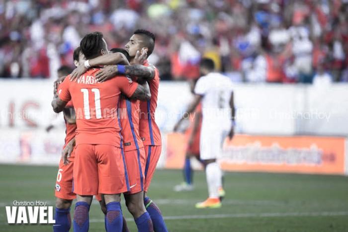 Copa America Centenario: Chile advances past Panama behind Vargas and Sanchez doubles
