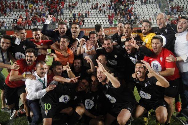 El Córdoba asalta Murcia y sigue soñando