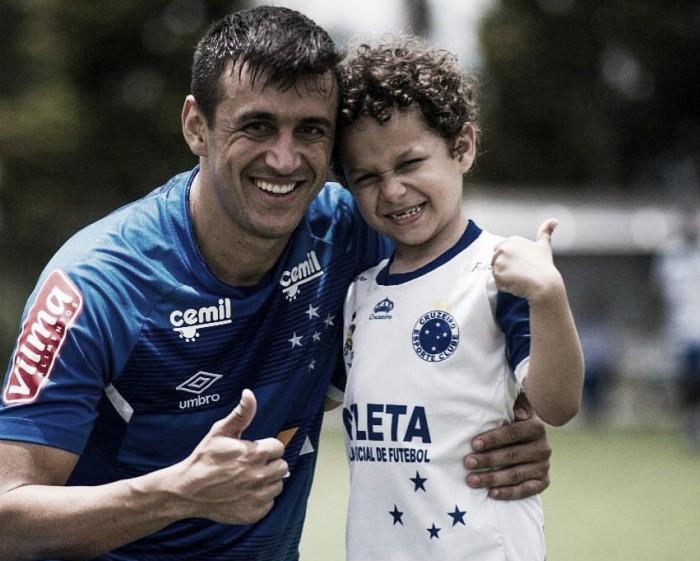 Pai e filho: Robinho mira vitória contra Fluminense como 'presente' de aniversário