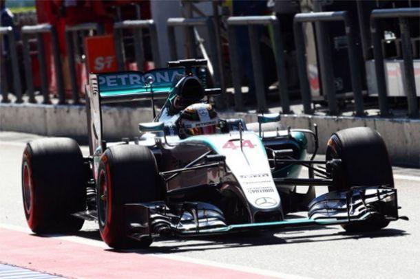 FP1 e FP2 do GP da Malásia: Mercedes suam para segurar liderança