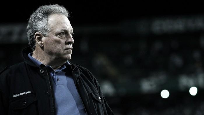 Abel Braga elogia entrega do Fluminense em vitória sobre Coritiba