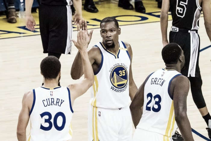 Golden State Warriors overwhelm San Antonio Spurs 136-100 in Game 2