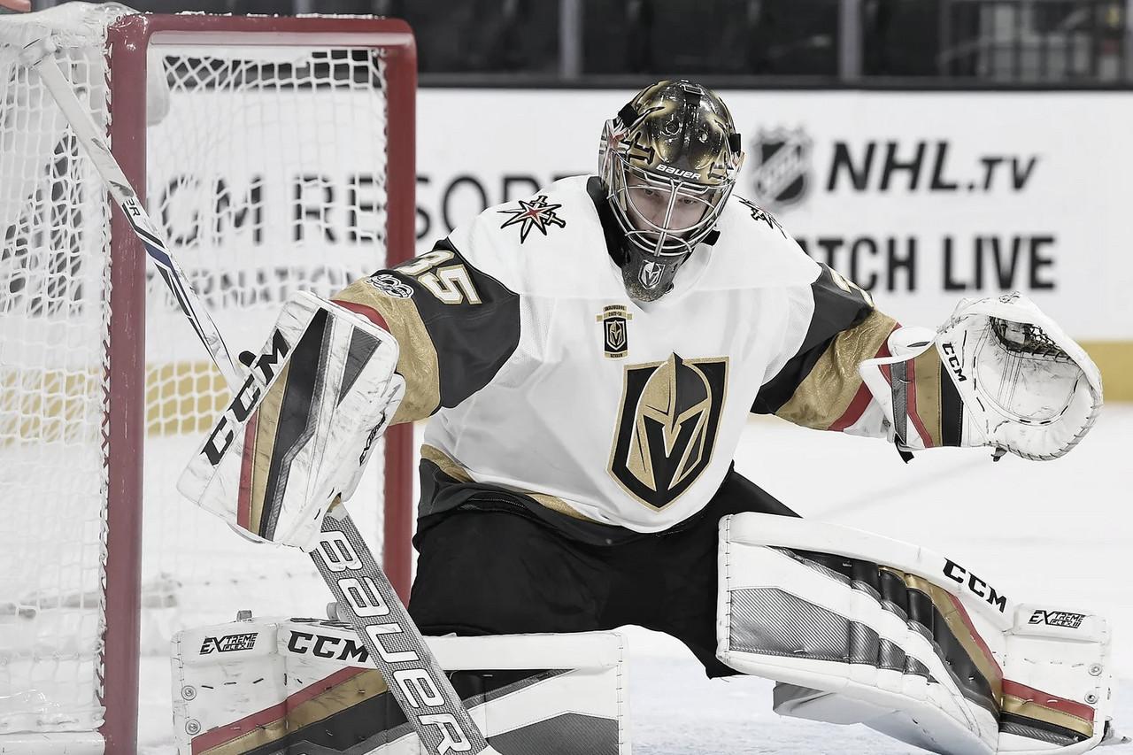 Las Vegas Golden Knights le dan un año más al portero Oscar Dansk