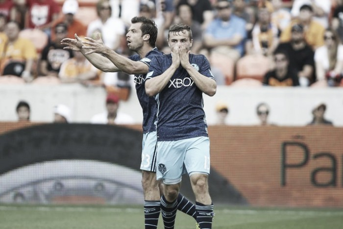 Seattle Sounders draw Houston Dynamo with last-second finish