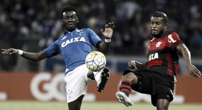 Flamengo vence Cruzeiro no Mineirão com gol do estreante Réver