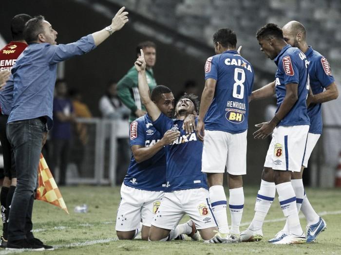 """Paulo Bento exalta poder ofensivo do Cruzeiro e afirma: """"Vitória é mais do que justa"""""""