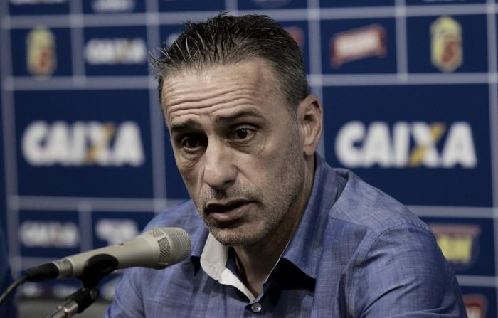 """Paulo Bento desabafa após expulsão e garante que Cruzeiro não irá aderir ao """"fair play"""""""