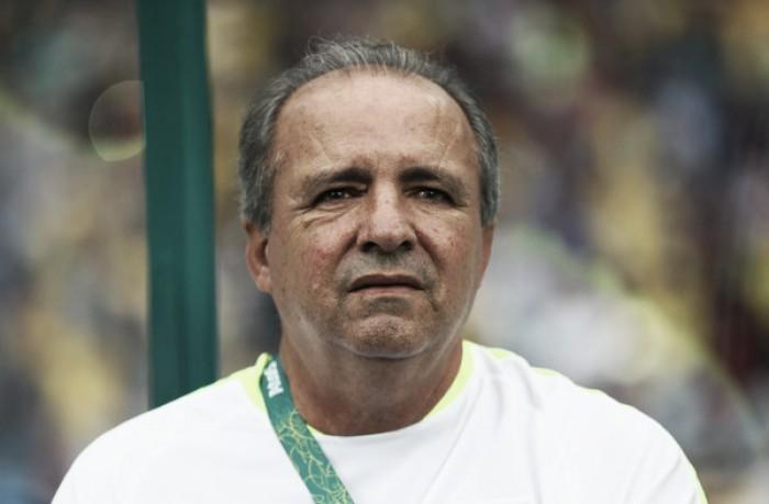 Vadão elogia postura do Brasil em estreia e critica comparações entre Marta e Neymar