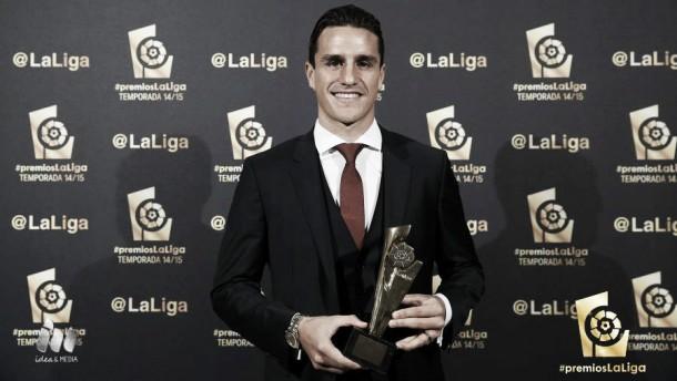 Espinosa fue nombrado como el mejor defensor de la Liga Adelante