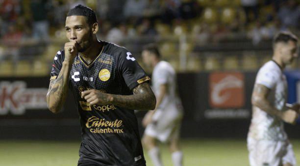 Vinicio Angulo, nuevo delantero de León