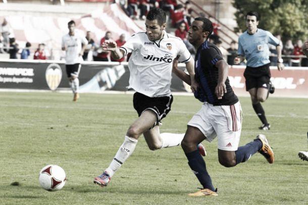 Valencia Mestalla - UE Olot: los dos lados del descenso
