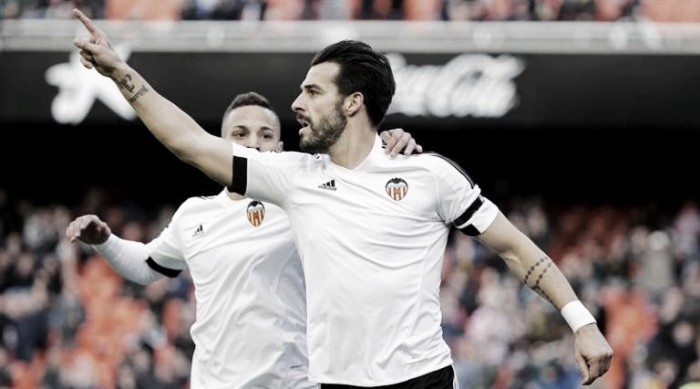 Valencia 4-0 Granada: A dominant performance from Los Che sees Neville record his second win